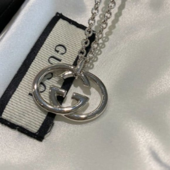 brand new S925 silver necklace